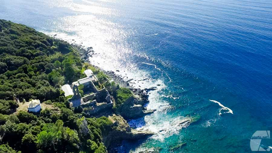 Monastère en ruine en contre bas de la route de la côte ouest du Cap.