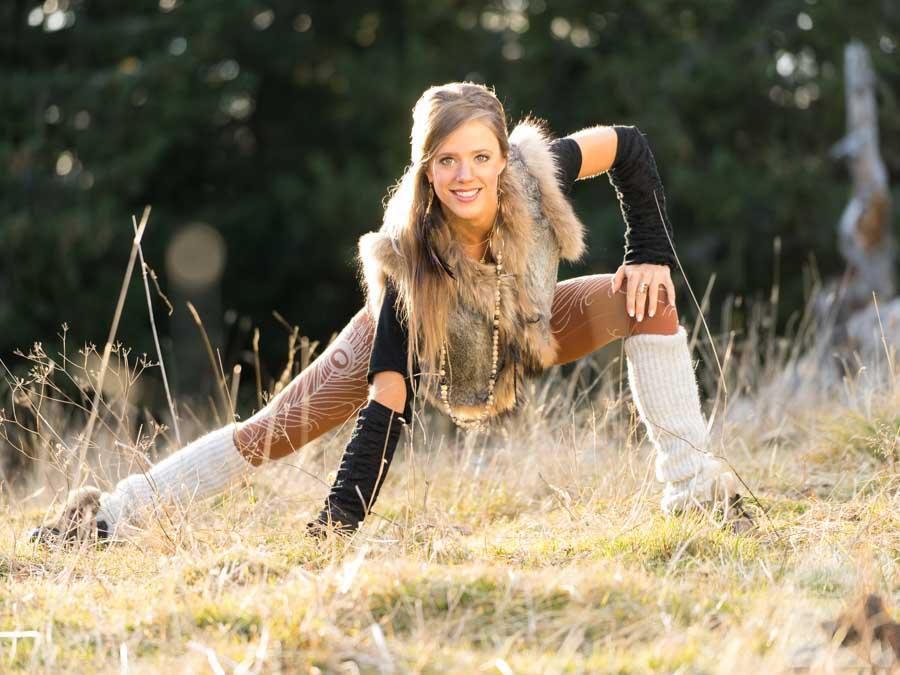 photos de yoga dans la montagne avec Katy Misson