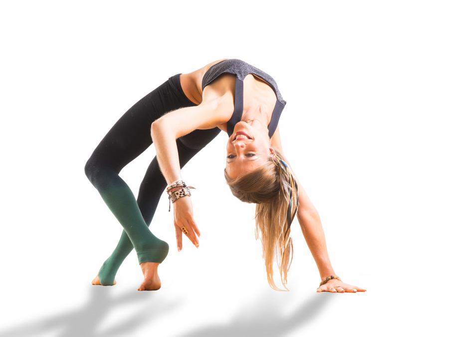Pierto.net photographe de sport à Annecy : Yoga Katy Misson en studio